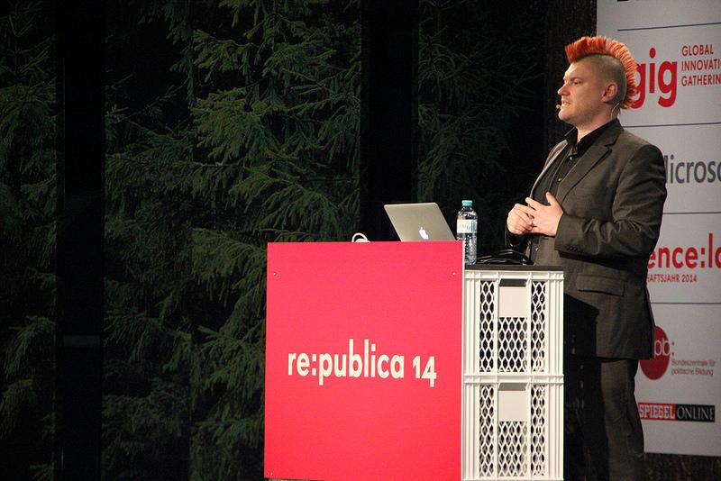 Sascha Lobo auf der re:publica 2014 (Flickr-Bild: HolgerRings; Lizenz: CC)