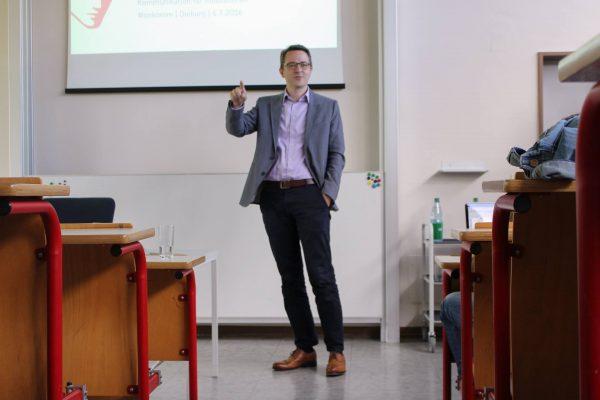 Tapio Liller bei seinem Workshop über Kommunikation für Innovationen